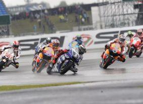 MotoGP: סקירת מירוץ סילברסטון, בריטניה – סטונר כובש את העולם