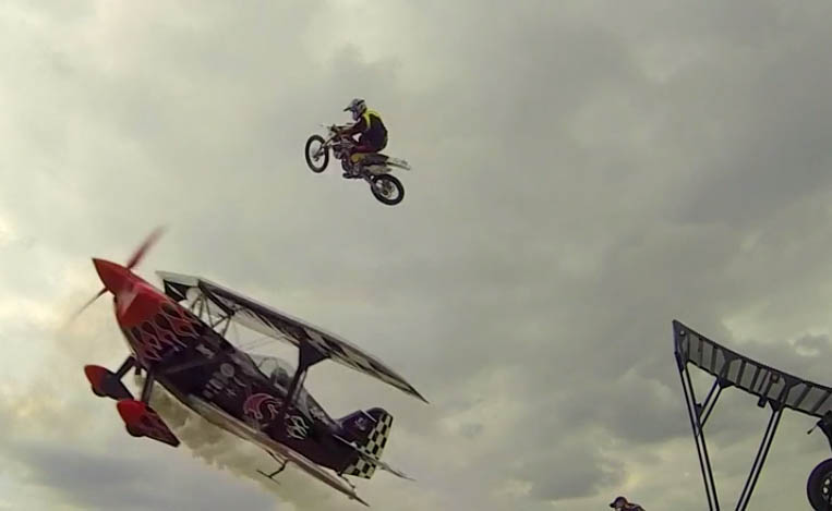 וידאו: חשבנו שאופנועים זה אקסטרים…