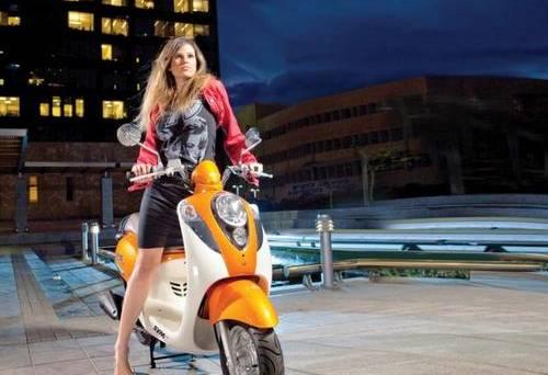 סוגי האופנוענים בארץ: הבחורה על המיו