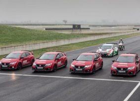 וידאו 360 מעלות: הונדה מוטו GP נגד מכוניות סיביק Type R
