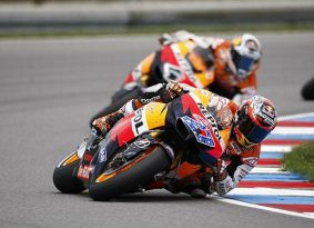 MotoGP צ'כיה- סטונר דוהר קדימה והספרדים נופלים