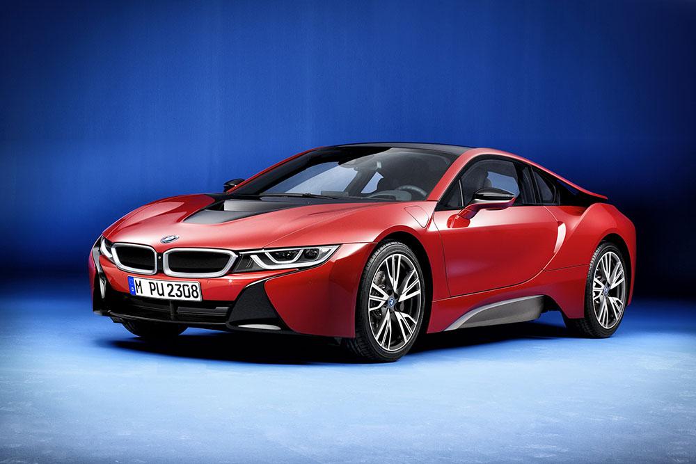 BMW מדליקה את החשמל