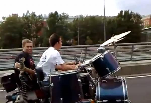 קוקוריקו: להקה על גלגלים