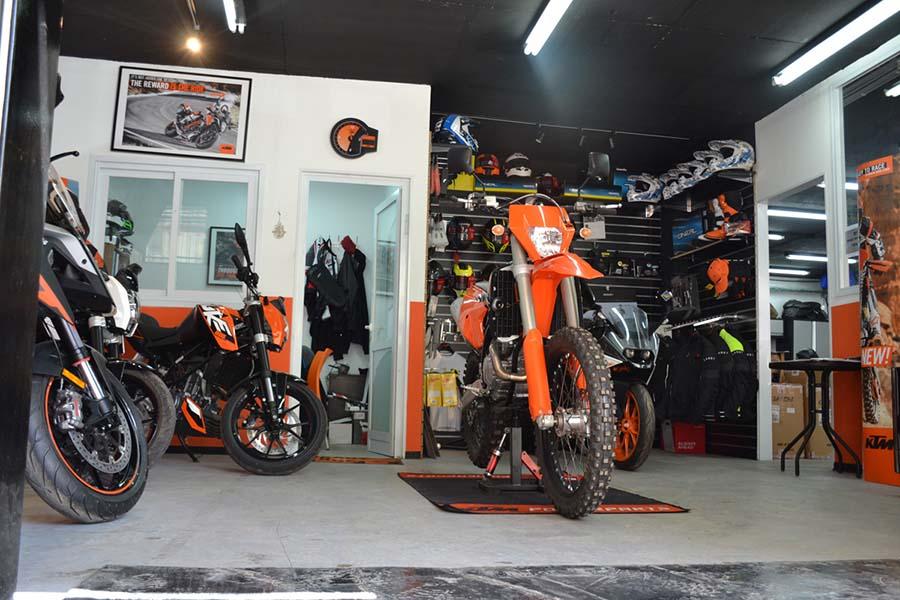 """מדור פרסומי: אופנועי KTM קטנועי TGB ופיג'ו – מסיבת השקה לסוכנות """"מומנט אופנועים"""" החדשה בירושלים"""