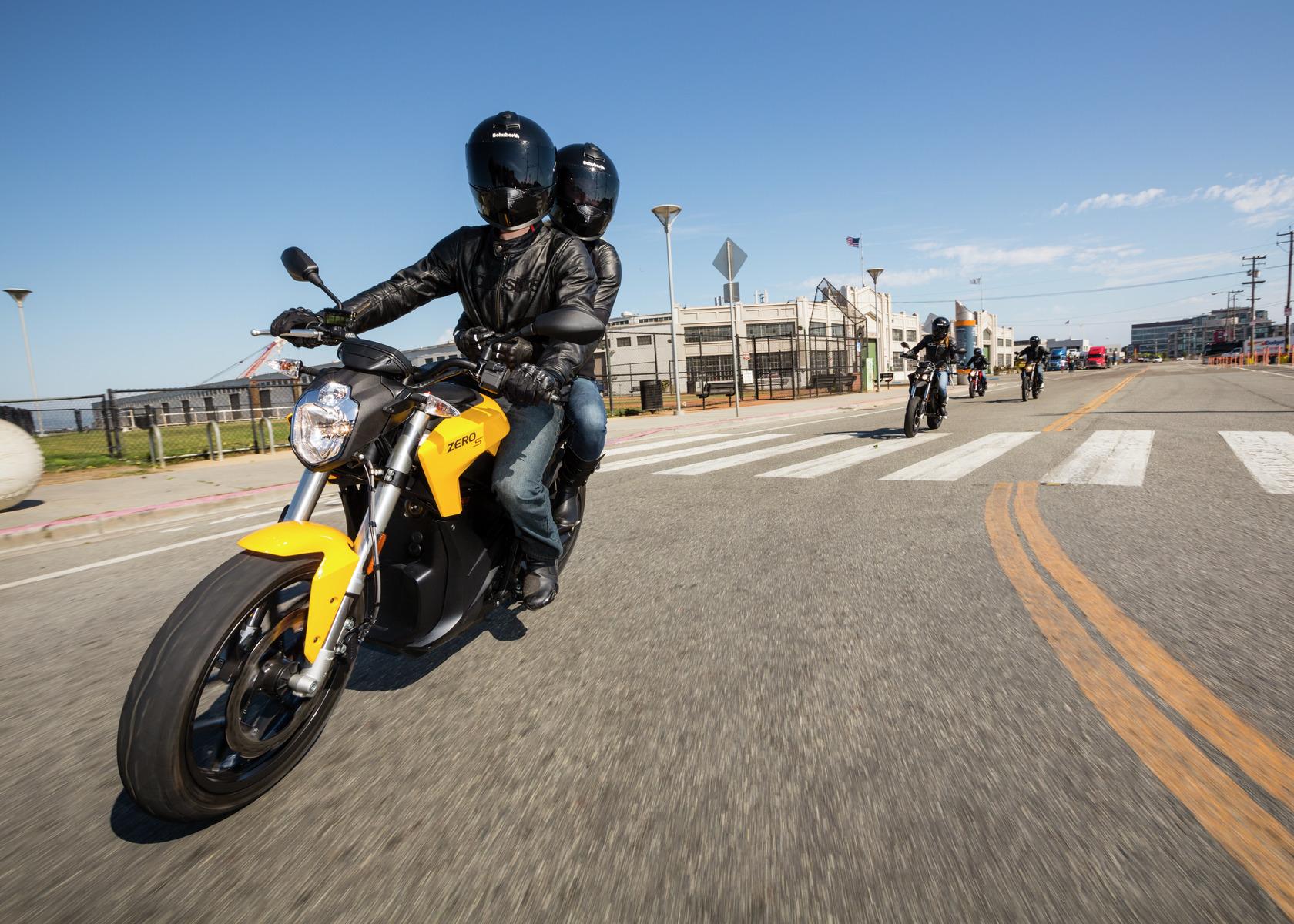תוספת אופנועי זירו 2018 – שיפורים קטנים בהמתנה למהפיכה - מוטו UF-14
