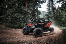 Maverick X3 NA – Can-Am Red – Trail Riding