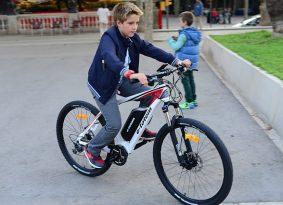 """עו""""ד ענת ברדה   אופניים חשמליים – מי משלם פיצויים?"""