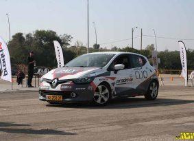 אתגר הנהיגה של רנו Clio Challenge
