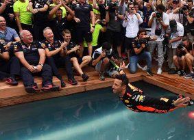 F1 מונקו: ריקארדו נותן לרדבול מתנה במרוץ ה- 250 שלהם