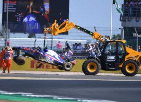 F1 אנגליה גריד: המילטון יזנק ראשון במרוץ הביתי