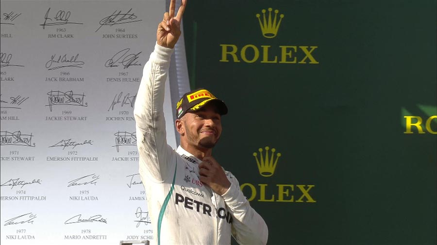 F1 הונגריה: המילטון משייט לניצחון לפני הפגרה