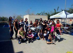 קבוצת Moto Girls יורדת לשטח