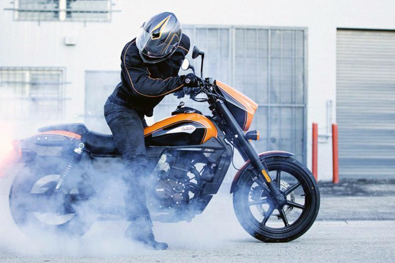 חדש בארץ: אופנועי הקסטום של UM גלובל