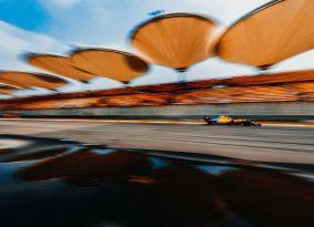 F1 גריד סין: בוטס ראשון באירוע הגרנד פרי ה-1000