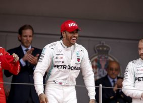 F1 מונקו: המילטון יוצא כשידו על העליונה