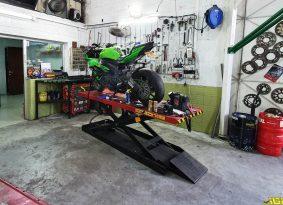 קיץ לוהט במוסך של ריינוטייר