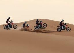 וידאו: רוכבי הונדה בהסבה מקצועית