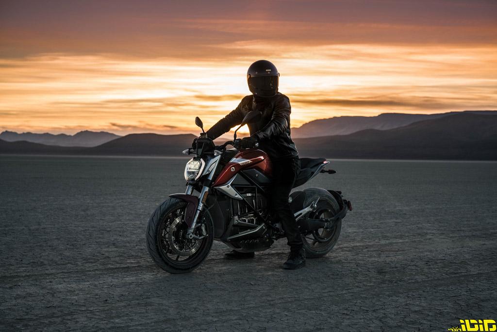 מטרו מתחילה בשיווק אופנועי זירו החשמליים